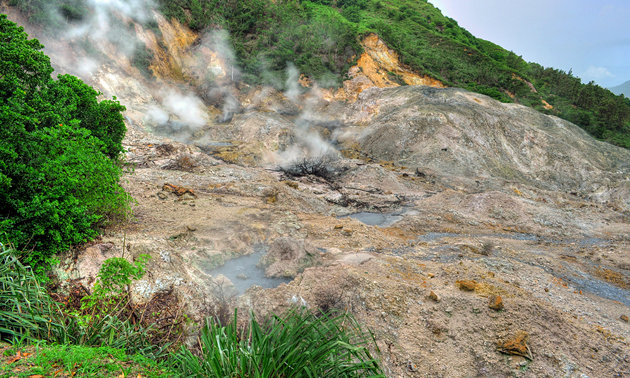 Drive-in Volcano & Sulfur Springs